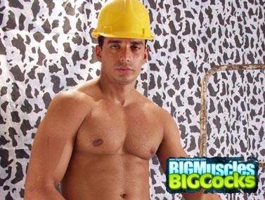 Posing Body Builder 1